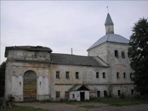 Церковь во имя св. священномученников  Климента папы Римского и Петра Александрийского села Костюрино